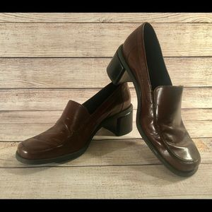 Naturalizer Mae Loafer Brown Block Leather Heels